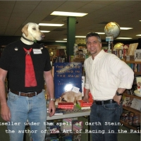 bookseller-dog-garth